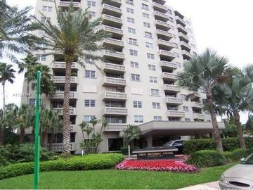 90 Edgewater Dr #106, Coral Gables, FL, 33133,