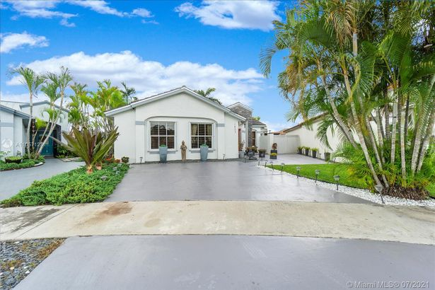 1053 NW 133rd Ct