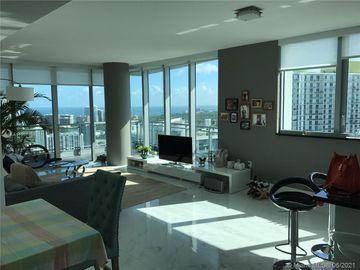 92 SW 3rd St #4205, Miami, FL, 33130,