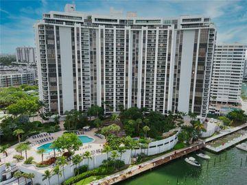 Undisclosed Address, Miami Beach, FL, 33139,