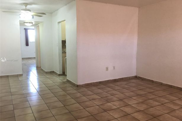 4655 Palm Ave #307