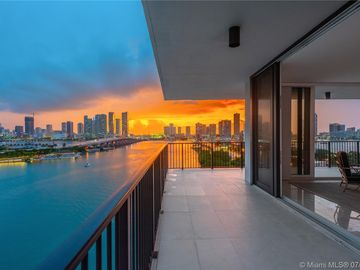 1000 Venetian Way #1004, Miami, FL, 33139,