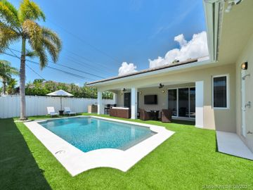 254 Corsair Ave, Lauderdale By The Sea, FL, 33308,