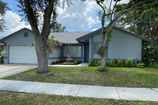 5800 NW 37th Ave