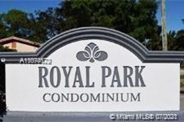 120 Royal Park Dr #4A
