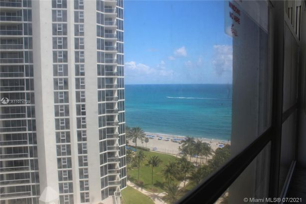 19201 Collins Ave #1027