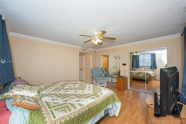 3261 Holiday Springs Blvd #408