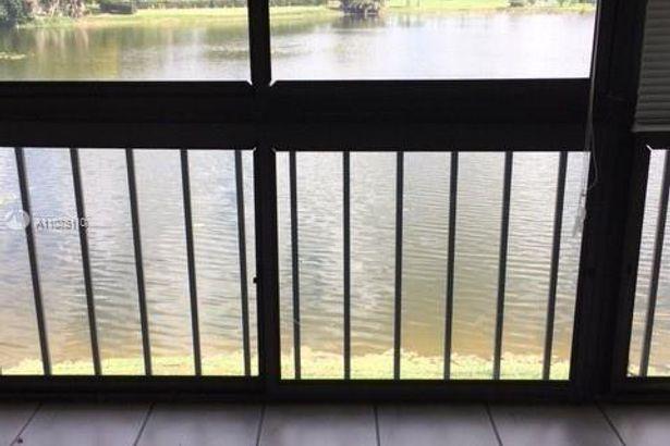 9400 N Hollybrook Lake Dr #201