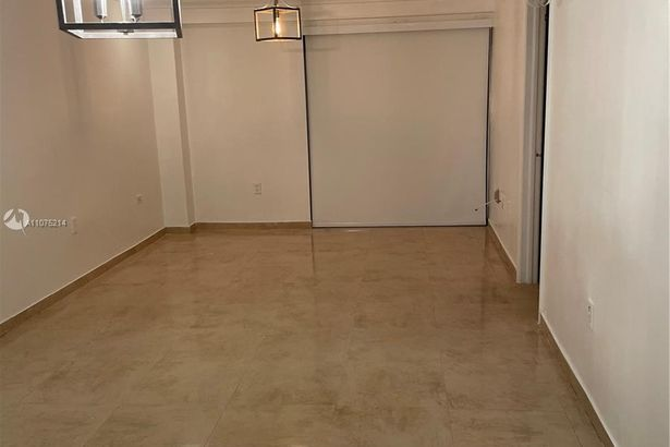 777 SW 9th Ave #405