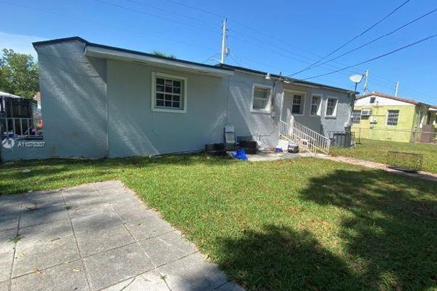 1340 NW 51st Ter