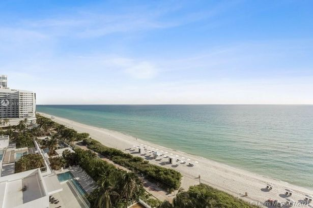 6515 Collins Ave #1003