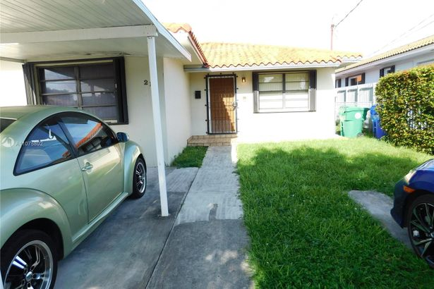 215 NW 58th Ct