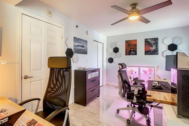 2475 NW 16th Street Rd #610