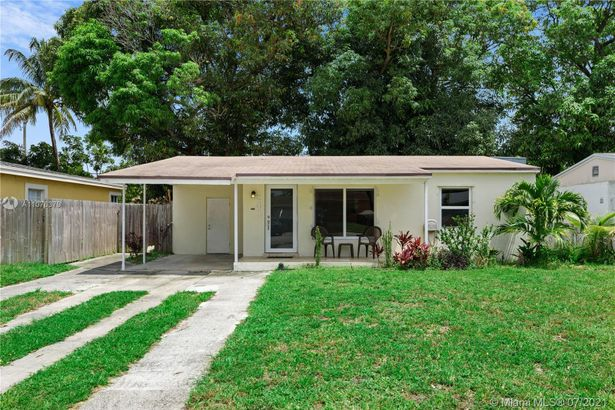 241 NW 52nd Ct