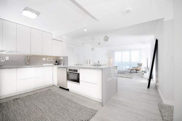 2301 Collins Ave #1534