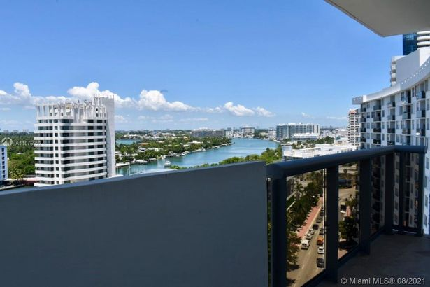 6039 Collins Ave #1528