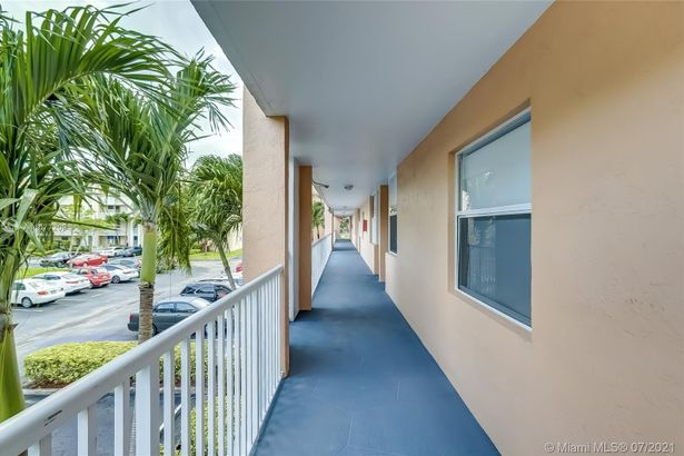10368 NW 24th Pl #203