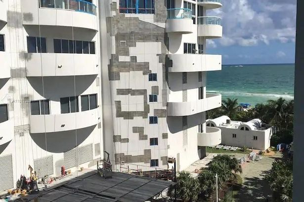 6345 Collins Ave #731