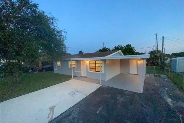 3280 NW 13th Ct