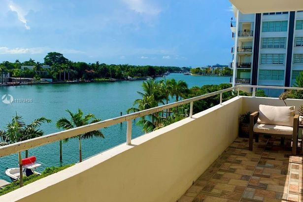 5600 Collins Ave #5S