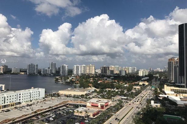 18001 Collins Ave #1903
