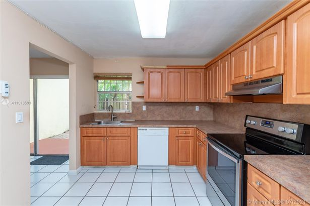 8485 SW 137th Ave #8485
