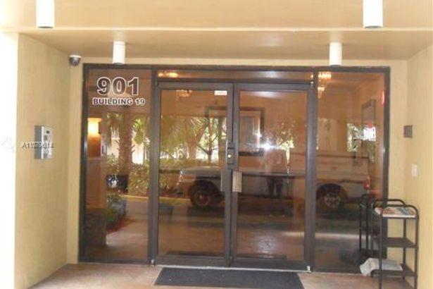 901 Hillcrest Dr #605