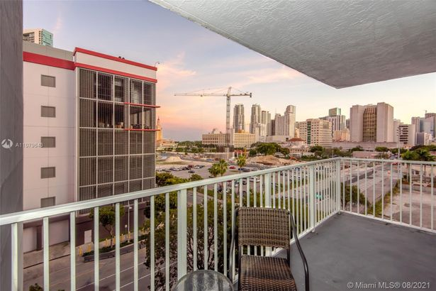 800 N Miami Ave #E-705