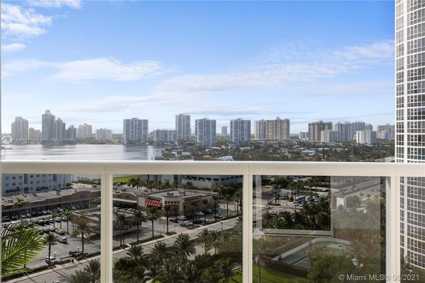 18101 Collins Ave #1503
