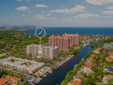 90 Edgewater Dr #715, Coral Gables, FL, 33133,