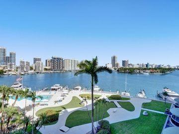 900 Bay Dr #522, Miami Beach, FL, 33141,