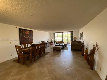 8877 Collins Ave #405, Surfside, FL, 33154,