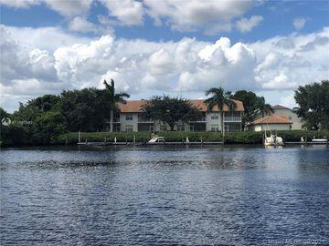 290 Newport Drive #102, Naples, FL, 34114,