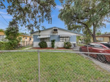 5734 Lincoln St, Hollywood, FL, 33021,