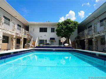 320 85th St #5, Miami Beach, FL, 33141,