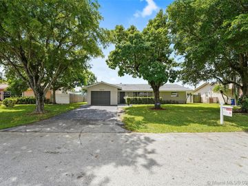 7810 NW 39th Ct, Coral Springs, FL, 33065,