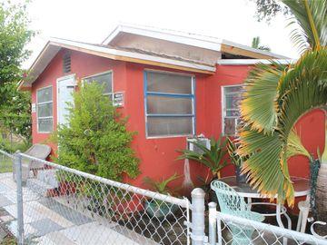1124 NW 55th St, Miami, FL, 33127,