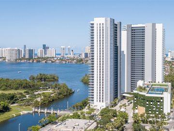 16385 Biscayne Blvd #904, North Miami Beach, FL, 33160,