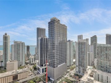 55 SW 9th St #3906, Miami, FL, 33130,
