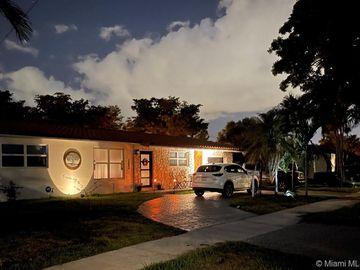 14440 Harris Pl, Miami Lakes, FL, 33014,
