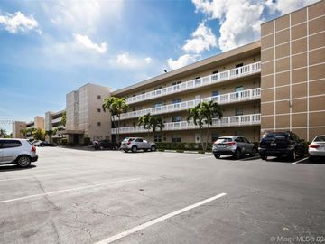 414 SE 10th St #307, Dania Beach, FL, 33004,