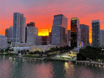 701 Brickell Key Blvd #1102, Miami, FL, 33131,
