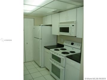 500 NE 2 St #304, Dania Beach, FL, 33004,