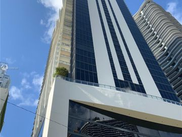 1010 Brickell Ave #3610, Miami, FL, 33131,