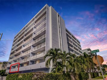 1045 10th St #206, Miami Beach, FL, 33139,