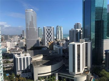 41 SE 5th St #1801, Miami, FL, 33131,