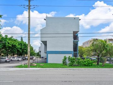 399 NW 72nd Ave #310, Miami, FL, 33126,