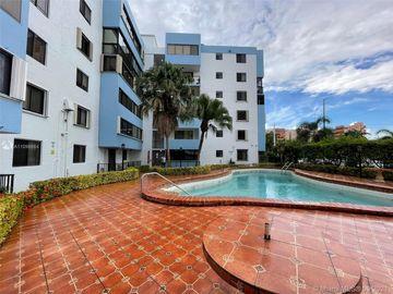 5033 NW 7th St #106, Miami, FL, 33126,