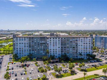 3800 Hillcrest Dr #1019, Hollywood, FL, 33021,