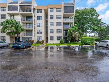 6190 Woodlands Blvd #104, Tamarac, FL, 33319,